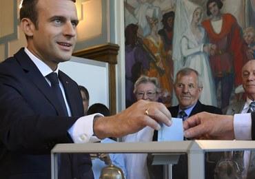 Francuskie media po wyborach: Macron ma parlament, o jakim marzył