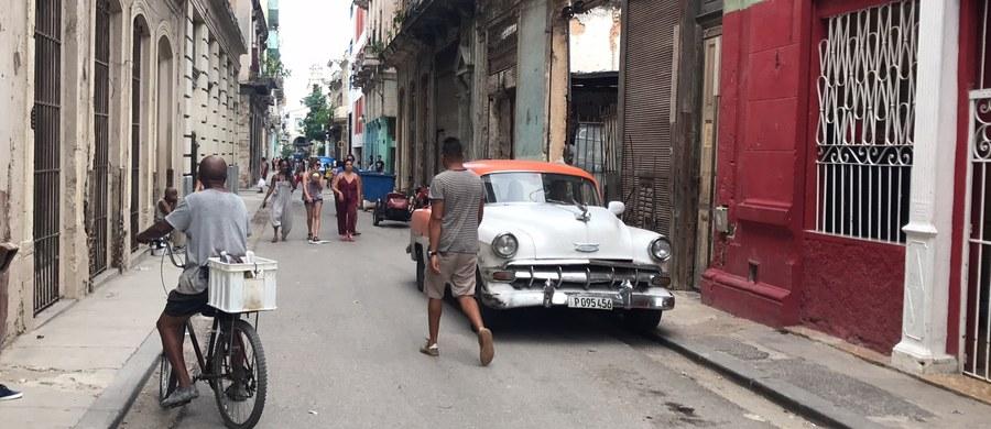 Donald Trump cofa ustępstwa wobec Hawany wprowadzone za czasów prezydentury Baracka Obamy. Hawana nie kryje rozczarowania. A otoczenie Raula Castro sugeruje, że stosunki dyplomatyczne między Kubą a USA znów mogą zostać zerwane. Decyzja nowego prezydenta USA o zaostrzeniu polityki wobec wyspy to nic innego jak początek końca słynnego resetu. Kto na tym zyska, a kto straci? Zobacz relację naszego korespondenta.