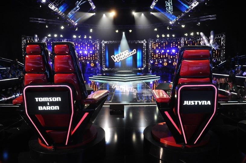 """Pierwsza polska wersja dziecięcego talent show """"The Voice Kids"""" będzie pokazywana w Dwójce zimą w sobotnie wieczory, po zakończeniu """"The Voice of Poland 8"""". Emisja odcinków wystartuje prawdopodobnie od stycznia 2018 roku - dowiedział się serwis Wirtualnemedia.pl."""