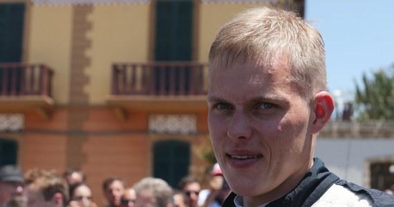 Estończyk Ott Tanak (Ford Fiesta WRC) wygrał trzy sobotnie odcinki specjalne samochodowego 73. Rajdu Polski, siódmej rundy mistrzostw świata i umocnił się na prowadzeniu w klasyfikacji generalnej. Drugi jest Norweg Andreas Mikkelsen (VW Polo WRC) - strata 18 s, a trzeci Nowozelandczyk Hayden Paddon (Hyundai I20 WRC) – 24,9 s. Obrońca tytułu Francuz Sebastien Ogier (VW Polo WRC), który triumfował w dwóch poprzednich edycjach imprezy, jest szósty ze stratą 59,1 do Tanaka.