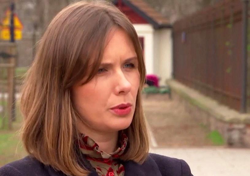 Sąd Rejonowy w Zambrowie (Podlaskie) uniewinnił dziennikarkę telewizyjną, która w ramach prowokacji udawała urzędniczkę MSWiA, od zarzutu nieuzasadnionego wezwania policji. Uznał zaś jej winę za podanie policjantom nie swoich danych, ale odstąpił od wymierzenia kary.