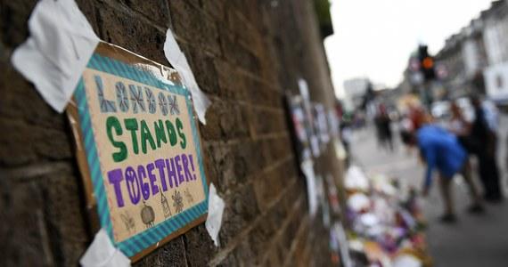 Sprawca zamachu w Londynie na muzułmanów obok meczetu w Finsbury Park, Darren Osborne, usłyszał zarzuty związanego z terroryzmem zabójstwa oraz usiłowania zabójstwa - podała brytyjska prokuratura. W ataku zginęła jedna osoba, a 11 zostało rannych. Jeszcze w piątek pochodzący z Cardiff w Walii 47-latek ma po raz pierwszy stanąć przed sądem w Londynie.