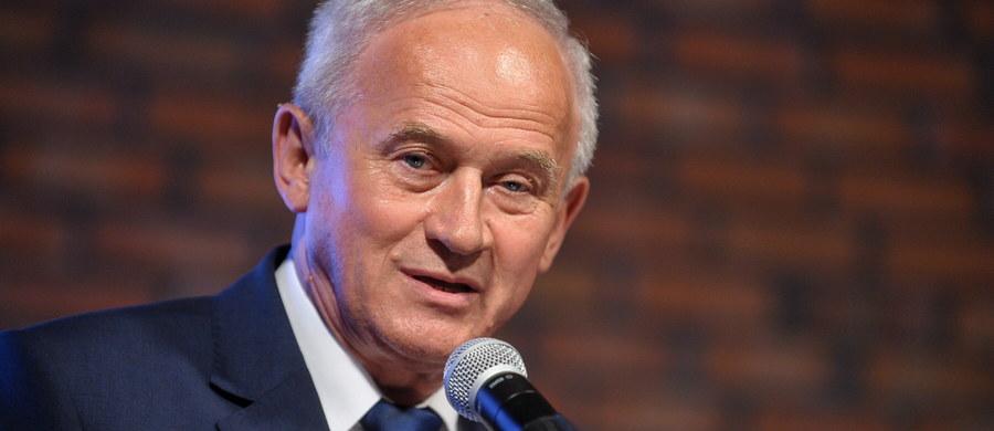 """Sektor energetyczny w najbliższych latach stanie przed nowymi wyzwaniami - mówi w wywiadzie dla tygodnika """"wSieci"""" minister energii Krzysztof Tchórzewski."""