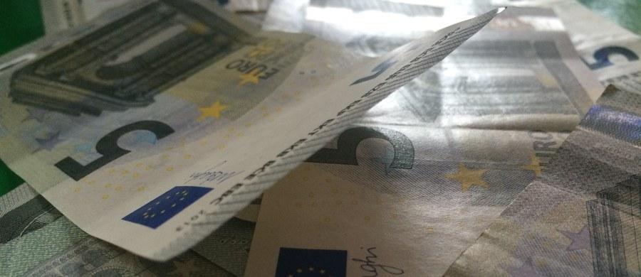"""Po 2020 roku Polska dostanie mniej pieniędzy z unijnego budżetu. Jest pierwszy dokument Komisji Europejskiej w tej sprawie. Dotarła do niego nasza dziennikarka Katarzyna Szymańska – Borginon. Dokument zatytułowany jest """"Wieloletnie Ramy Finansowe po 2020. Priorytety i podejście"""" (MFF Post 2020 - Priorities and approach)."""