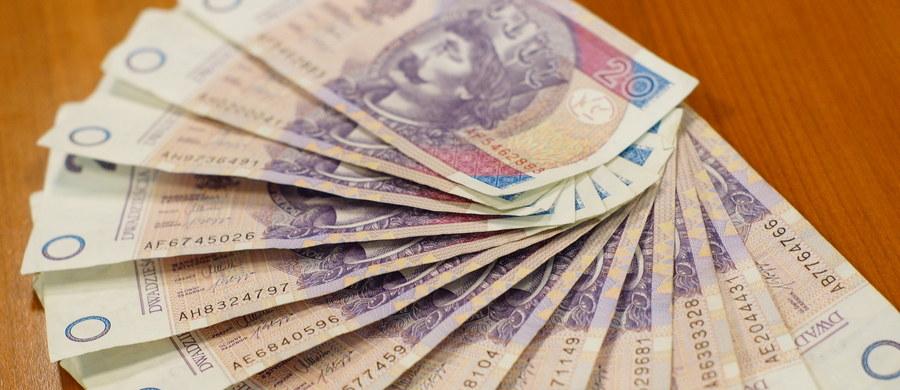 Szacunkowa wartość towarów i usług zakupionych w Polsce przez cudzoziemców (nierezydentów) w pierwszym kwartale 2017 r. sięgnęła poziomu 9,4 mld zł, natomiast wartość wydatków poniesionych za granicą przez mieszkańców Polski wyniosła 4,0 mld zł - poinformował GUS.