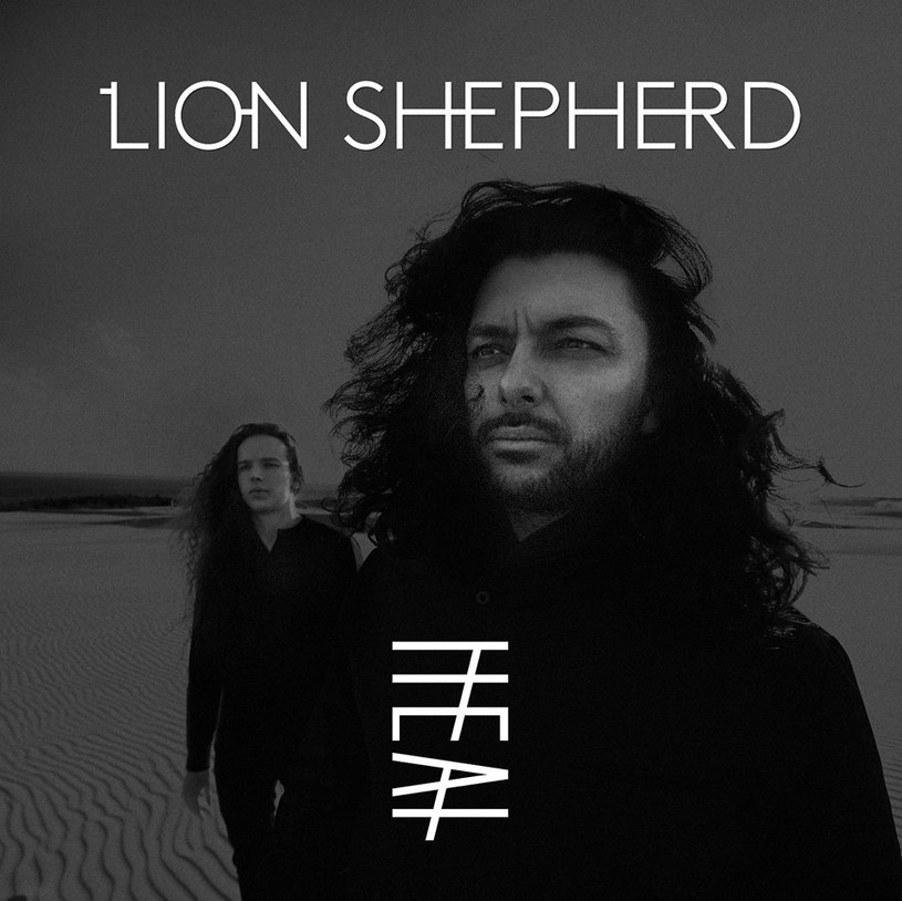 """Nie tylko o nowej płycie """"Heat"""" rozmawialiśmy z muzykami grupy Lion Shepherd, która miesza wpływy mocnego rocka z prog rockiem, psychodelią i estetyką świata bliskowschodniego (dźwięki arabskiej lutni oud, perski santur, hinduskie perkusjonalia)."""