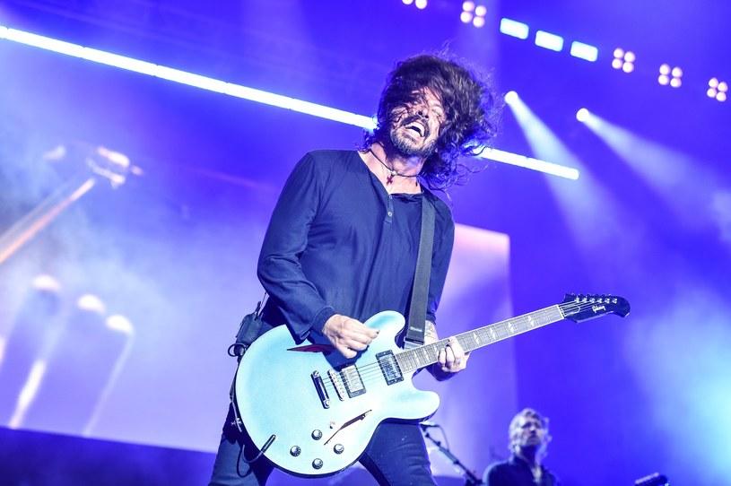 """""""Słyszałem, że jesteście szaleni, przynajmniej tak twierdzi Alison (Mosshart - przyp. red.)"""" - podpuszczał publiczność Dave Grohl, by chwilę później zaprosić wokalistkę The Kills na scenę i razem z nią zaśpiewać nowy utwór Foo Fighters. Ekipa z Seattle, zadowolona z przyjęcia w Gdyni, wyraźnie dała do zrozumienia, że chciałaby do Polski wrócić jak najszybciej."""