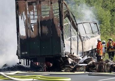 Wypadek autokaru w Niemczech. Pojazd stanął w płomieniach
