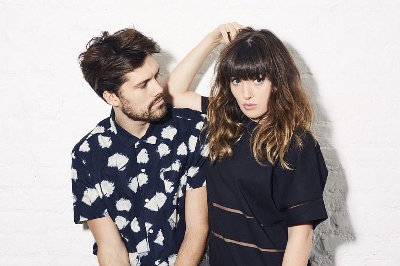 """Elektroniczno-popowy duet Oh Wonder zaprezentował teledysk do utworu """"High On Humans"""", który zapowiada jego nową płytę """"Ultralife""""."""