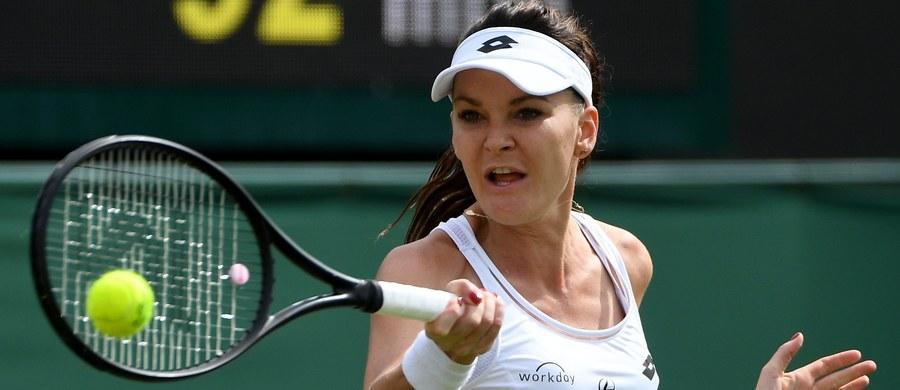 Rozstawiona z numerem dziewiątym Agnieszka Radwańska wygrała z Serbką Jeleną Jankovic 7:6 (7-3), 6:0 w meczu pierwszej rundy wielkoszlemowego turnieju tenisowego w Wimbledonie. Mecz trwał godzinę i 27 minut.