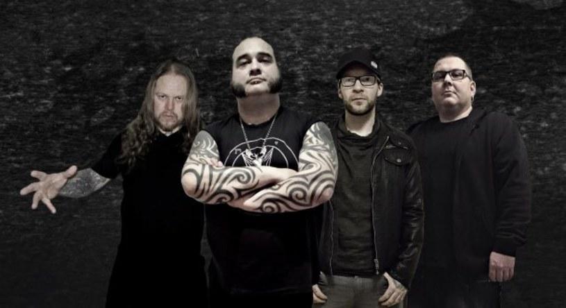 Nowo powstała, niemiecko-szwedzka grupa Stass zarejestrowała debiutancką płytę.
