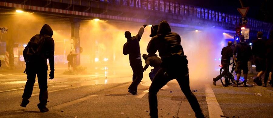 Co najmniej 76 policjantów zostało rannych w czwartek w starciach z antyglobalistami w Hamburgu. Nie wiadomo jeszcze, ile osób zostało rannych wśród demonstrujących. Dziś w Hamburgu rozpoczyna obrady szczyt G20. Policja zatrzymała 5 osób.
