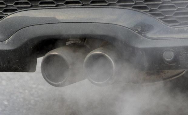 Departament Sprawiedliwości USA poinformował o postawieniu zarzutów byłemu menedżerowi Audi. Włoch Giovanni Pamio miał zlecać podwładnym opracowania programu fałszującego wyniki testów toksyczności spalin.