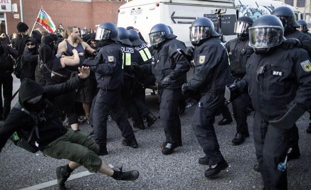 W Hamburgu trwają starcia policji z demonstrantami chcącymi przedostać się w pobliże Centrum Targowego, gdzie trwa szczyt G20. Antyglobaliści uniemożliwili żonie prezydenta USA Donalda Trumpa, Melanii, udział w programie wizyty. Liczba rannych policjantów wzrosła do 160.