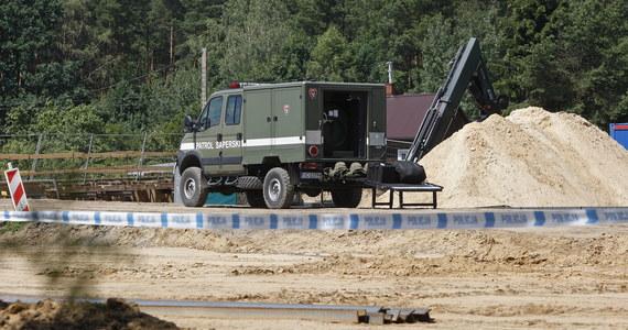 Półtonowa bomba z czasów II wojny światowej została dziś zdetonowana na poligonie w Orzyszu. Niewybuch wywieziono wczoraj z Białegostoku. Znaleziono ją na terenie przebudowy ul. Ciołkowskiego.