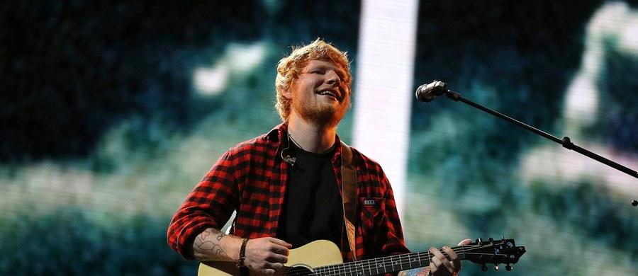 Zainteresowanie koncertem Eda Sheerana, który odbędzie się 11 sierpnia 2018 roku na PGE Narodowym, jest olbrzymie - bilety wyprzedały się w zaledwie godzinę! Chcąc zaspokoić oczekiwania wszystkich polskich fanów artysty, agencja Charm Music zadecydowała, że Sheeran zagra także drugi koncert: 12 sierpnia 2018 roku. Na to wydarzenie zostały jeszcze pojedyncze bilety!