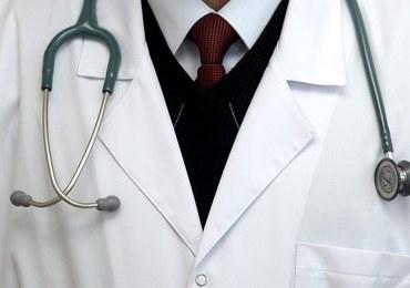 Lekarski skandal w Krakowie. Biegli nie chcą ocenić stanu zdrowia chirurga-łapówkarza