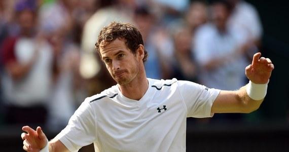 Najwyżej rozstawiony Brytyjczyk Andy Murray pokonał pogromcę Jerzego Janowicza Francuza Benoita Paire 7:6 (7-1), 6:4, 6:4 i awansował do ćwierćfinału wielkoszlemowego turnieju tenisowego na trawiastych kortach w Wimbledonie. Spotkanie lidera światowego rankingu i dwukrotnego (2013, 2016) triumfatora imprezy z Paire trwało dwie godziny i 23 minuty.