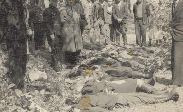 11 i 12 lipca 1943 roku Ukraińska Powstańcza Armia dokonała skoordynowanego ataku na polskich mieszkańców 150 miejscowości na Wołyniu. Była to kulminacja trwającej już od początku 1943 roku fali mordowania i wypędzania Polaków z ich domostw, w wyniku której na Wołyniu i w Galicji Wschodniej zginęło ok. 100 tys. Polaków.