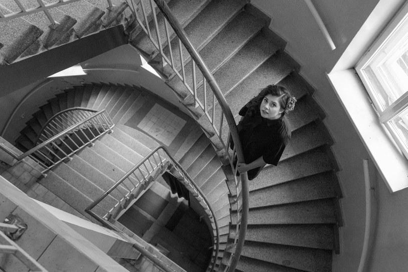 """Poniżej możecie posłuchać nagrania """"Muszę to zrobić"""" z płyty """"Jestem przestrzeń"""" przygotowanej przez wokalistkę jazzową Monikę Borzym."""
