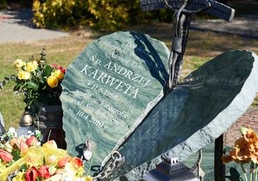Katastrofa smoleńska: Szczątki kilku osób w trumnie admirała Andrzeja Karwety