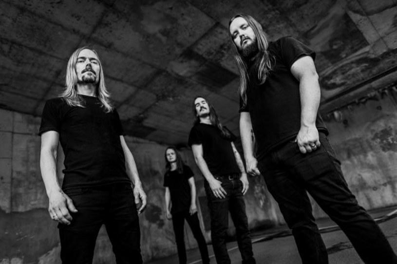 """""""Awaken"""" - to tytuł debiutanckiego albumu norwesko-amerykańskiej grupy Fleshkiller."""