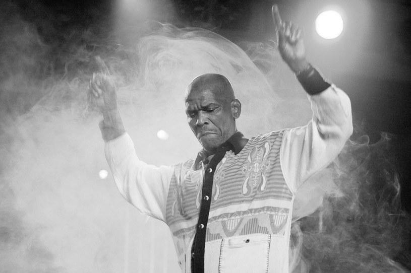 Legenda jazzu, pochodzący z Republiki Południowej Afryki Ray Phiri zmarł w wieku 70 lat po krótkiej i intensywnej walce z rakiem.