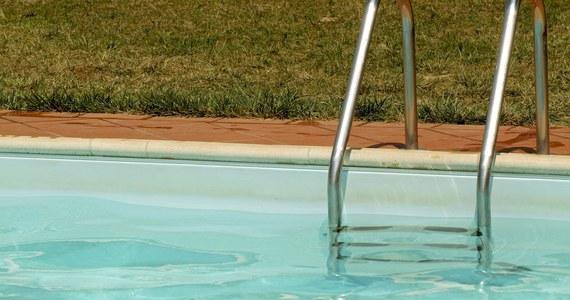 10 dzieci trafiło na obserwację do szpitala w Bydgoszczy, ponieważ źle poczuły się podczas zajęć na basenie przy przedszkolu przy ulicy Igrzyskowej.