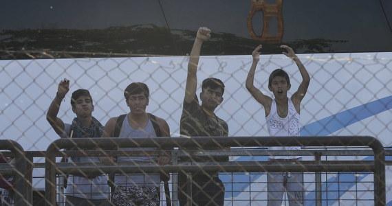 Polska przekazała Komisji Europejskiej odpowiedź na procedurę za odmowę relokacji uchodźców. Rząd podkreśla w niej, że nie jest w stanie wykonać decyzji w tej sprawie i jednocześnie właściwie wykonywać obowiązki dotyczące zapewnienia bezpieczeństwa publicznego.