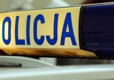 Jelenia Góra: Wypadek z udziałem policjanta, który jechał na interwencję