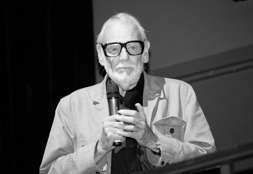 """W wieku 77 lat zmarł w niedzielę, 16 lipca, amerykański reżyser George A. Romero. Jego klasyczny już film z 1968 roku """"Noc żywych trupów"""" dał początek całemu gatunkowi filmów o zombie."""