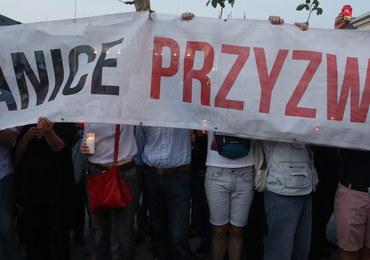 PO oburzona reakcją PiS na słowa Kaczyńskiego: Haniebne oklaski, premier biła brawo na stojąco