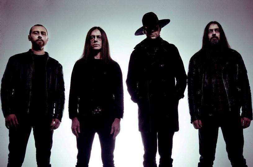 Doommetalowa formacja With The Dead z Wielkiej Brytanii przygotowała drugą płytę.