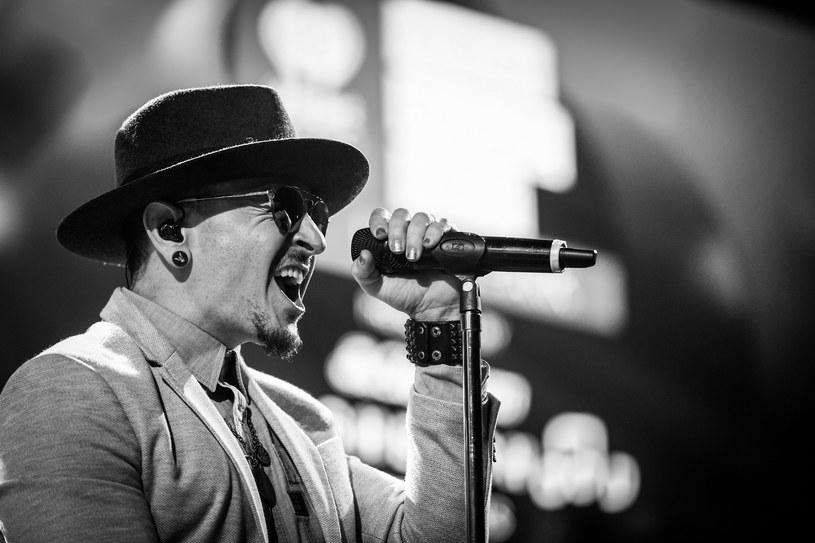 W wieku 41 lat samobójstwo przez powieszenie popełnił Chester Bennington, wokalista Linkin Park.