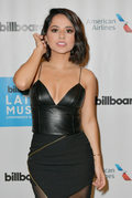 """Becky G w nowym, tanecznym singlu """"Mayores"""". Zobacz teledysk"""