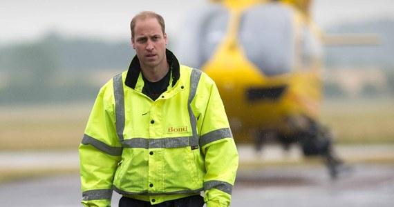 Brytyjski książę William ma już za sobą ostatni dyżur w lotniczym pogotowiu ratunkowym we wschodniej Anglii. Po dwóch latach w tej pracy przyszły król Wielkiej Brytanii poświęci się w pełni obowiązkom reprezentacyjnym.