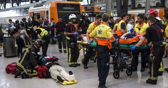 48 osób zostało rannych w wypadku pociągu na dworcu kolejowym w Barcelonie. Nie ma ofiar śmiertelnych. Nie wiadomo jeszcze, co doprowadziło do wypadku. Na miejscu wciąż pracują służby.