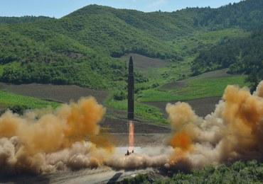 """Reżim Kima przetestował rakietę. Dowódcy z USA i Korei Południowej debatowali o """"reakcji militarnej"""""""