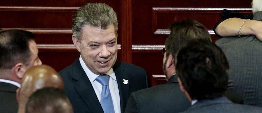 Prezydent Kolumbii Juan Manuel Santos oświadczył, że jego kraj nie uzna wyniku niedzielnych wyborów do Zgromadzenia Konstytucyjnego w Wenezueli, rozpisanych przez niepopularnego szefa państwa Nicolasa Maduro, mimo braku poparcia obywateli dla tego pomysłu.