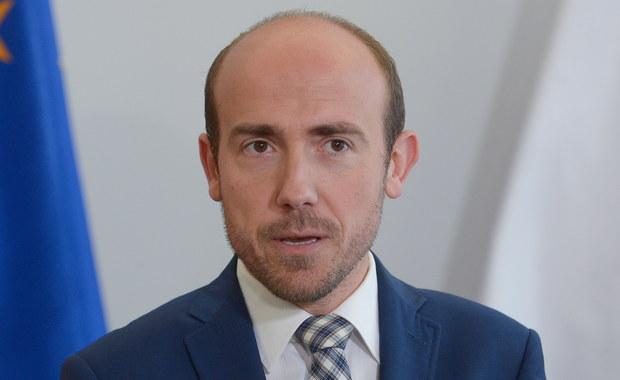 """Poseł PO Borys Budka jest przekonany, że prezydent zaprosi opozycję do rozmów o reformie sądownictwa. """"Ważne, by nie skupiać się wyłącznie na partyjnych propozycjach"""" - mówił poseł w Rowach (Pomorskie). PO rozpoczęła cykl spotkań """"Wakacje z Europą""""."""