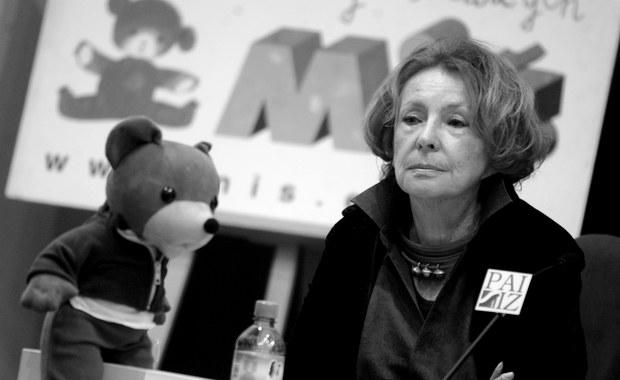 W środę 2 sierpnia zmarła w Warszawie pisarka, autorka wierszy i opowiadań Wanda Chotomska. W październiku skończyłaby 88 lat. O jej śmierci poinformowała Prezes Oddziału Warszawskiego Stowarzyszenia Pisarzy Polskich Małgorzata Karolina Piekarska.