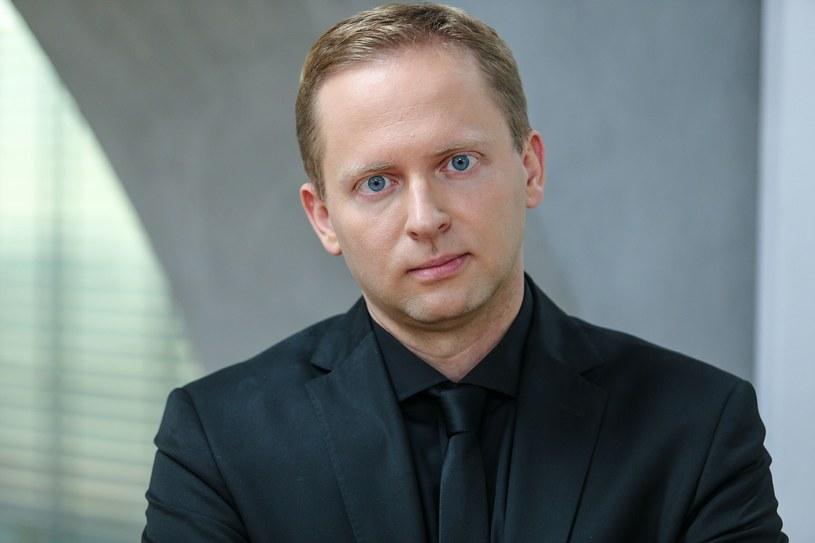 Michał Oleszczyk, krytyk filmowy i były dyrektor artystyczny Festiwalu Filmowego w Gdyni, nawiązał współpracę z Telewizją Polską.