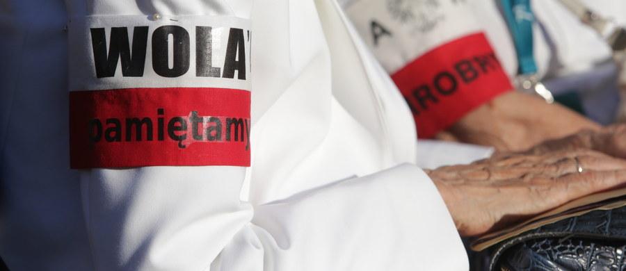 Hekatomba powstańców i zagłada dziesiątek tysięcy warszawiaków wciąż pozostają bolesną raną polskiej duszy - napisał prezydent Andrzej Duda w liście odczytanym podczas uroczystości przy pomniku pamięci mieszkańców Woli zamordowanych podczas Powstania Warszawskiego.