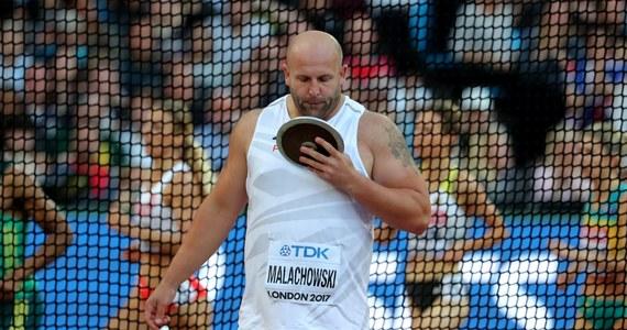 Broniący tytułu Piotr Małachowski zajął piąte miejsce w konkursie rzutu dyskiem w mistrzostwach świata w Londynie. Na siódmej pozycji uplasował się Robert Urbanek. Zwyciężył Litwin Andrius Gudzius.