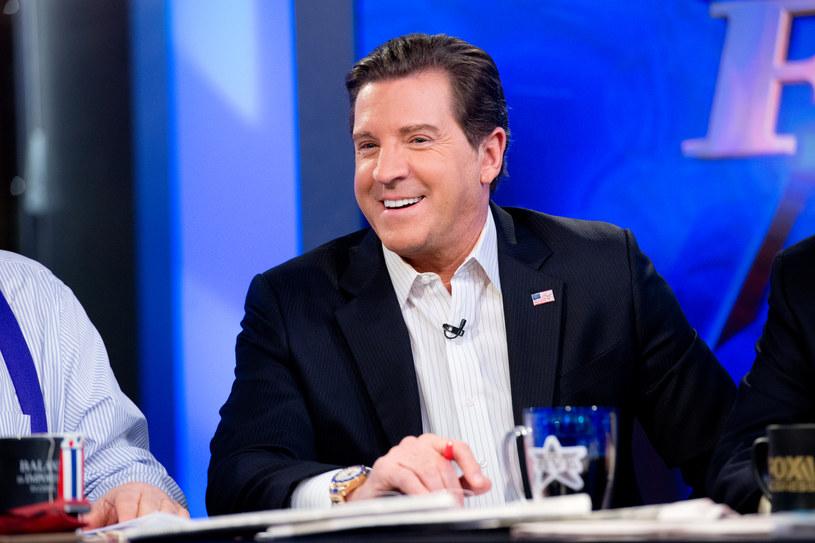 Eric Bolling, długoletni prezenter konserwatywnej telewizji Fox News, został zawieszony w związku z oskarżeniami o wysłanie trzem współpracowniczkom nieprzyzwoitych fotografii - poinformował internetowy portal Huffington Post. Bolling odrzuca te oskarżenia.
