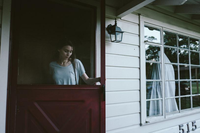 """Zależało mi, aby tempo upływu czasu w filmie """"A Ghost Story"""" odzwierciedlało, jak doświadczamy go w kolejnych etapach naszego życia - powiedział po sobotnim pokazie David Lowery, reżyser jednego z najbardziej wyczekiwanych obrazów trwającego 17. Międzynarodowego Festiwalu Filmowego T-Mobile Nowe Horyzonty."""