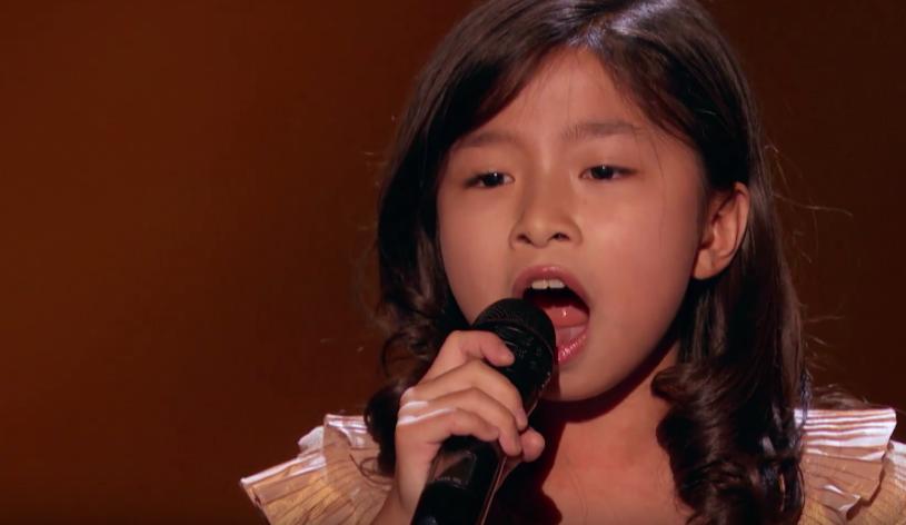 """9-letnia Celine Tam, która podczas pierwszego etapu 12. edycji amerykańskiej wersji programu """"Mam talent"""" oczarowała jurorów i publiczność, znowu była na ustach milionów widzów. Wszystko za sprawą jej wykonania piosenki Michaela Boltona."""
