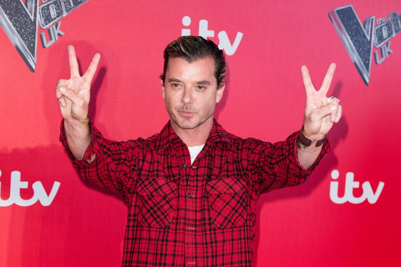 """Gavin Rossdale po jednym sezonie zakończył swoją przygodę z trenowaniem uczestników w brytyjskiej edycji talent show """"The Voice"""" - takie informacje podała gazeta """"The Sun""""."""