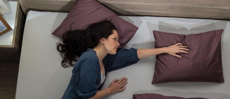 Jak pokazują badania, bezsenność to coraz powszechniejszy problem. Kłopoty ze snem może mieć nawet połowa Polaków. Czym objawia się bezsenność i jak możemy sobie z nią poradzić?