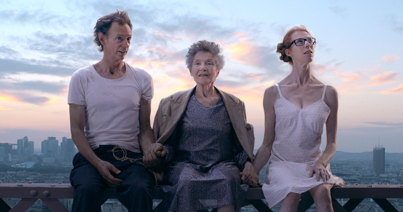 """""""Sprzeciwiamy się duchowi czasów współczesnych. Nie jesteśmy bardziej optymistyczni niż inni, ale próbujemy inaczej postrzegać ludzkość w jej dziwactwach"""" - mówią Dominique Abel i Fiona Gordon, twórcy filmu """"Paryż na bosaka"""". Komedia zadebiutuje na ekranach polskich kin 11 sierpnia."""